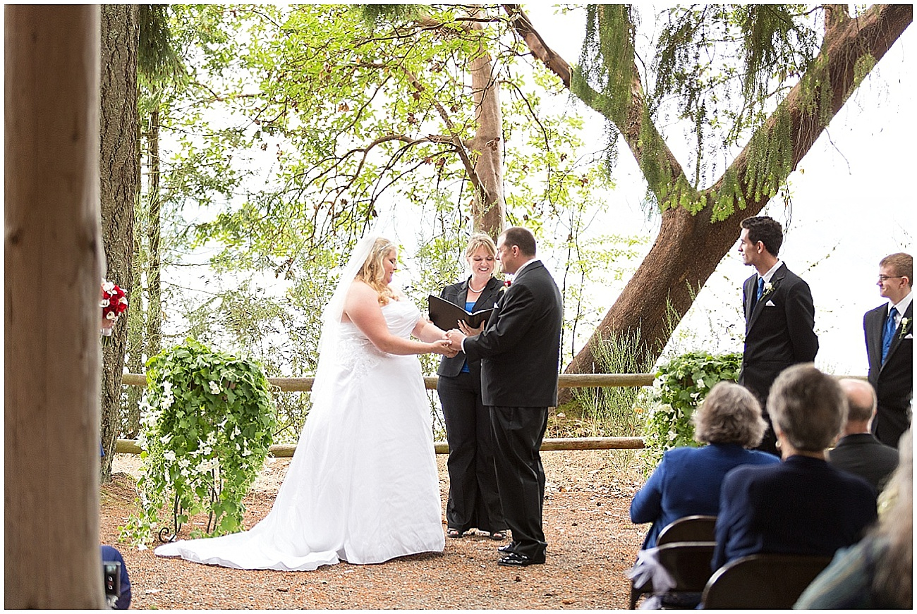 Hux_KitsapMemorialPark_Wedding_0042