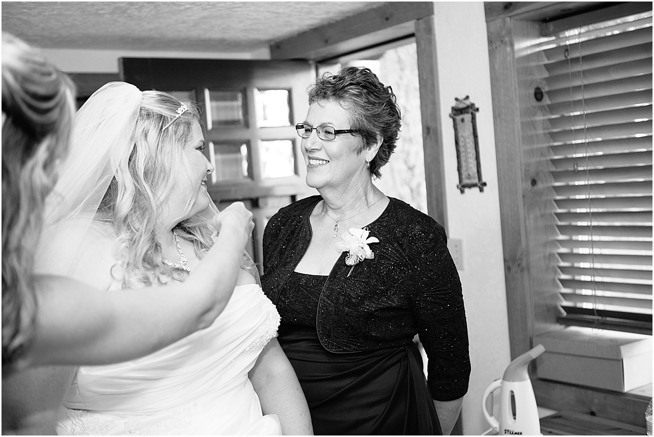 Hux_KitsapMemorialPark_Wedding_0081