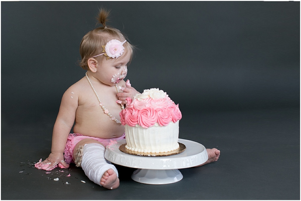 Maryland_family_Photographer_Aubree_Cake_Smash_first_Birthday_0028