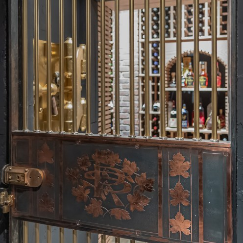 www.jenkinsstiles.com Vida at the Vault