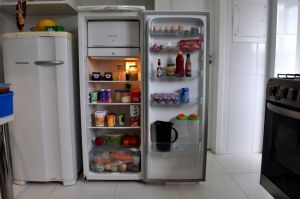 refrigerator-in-the-kitchen-with-food-725x482 from Public Domain Image dot com