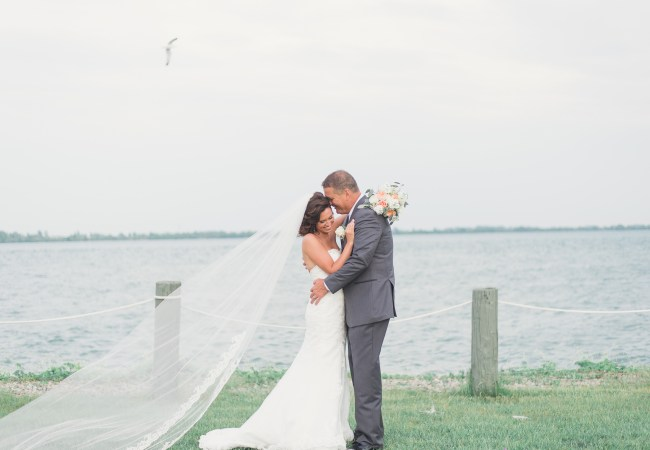 Silver Shores Waterfront Wyandotte Wedding Photographer | Jessica & Todd