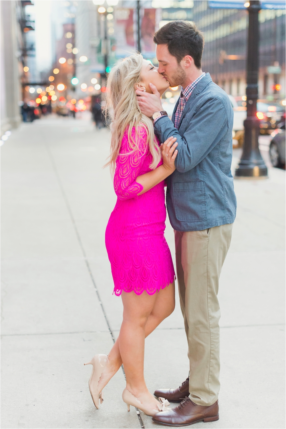 union-station-downtown-chicago-illinois-city-streets-engagement-photo-72.jpg