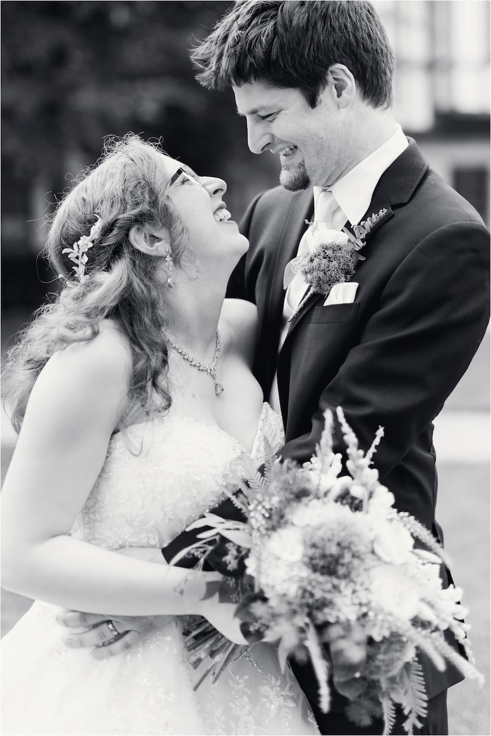 downtown-detroit-classic-elegant-wedding-photo-115.jpg