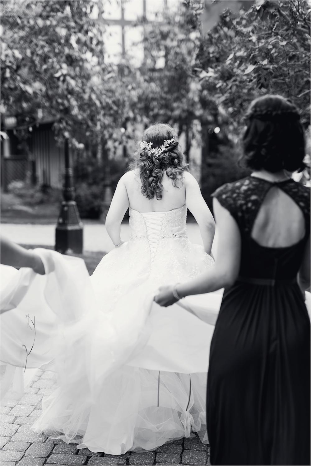 downtown-detroit-classic-elegant-wedding-photo-32.jpg