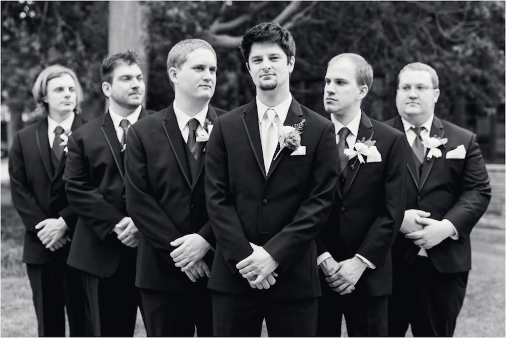 downtown-detroit-classic-elegant-wedding-photo-66.jpg
