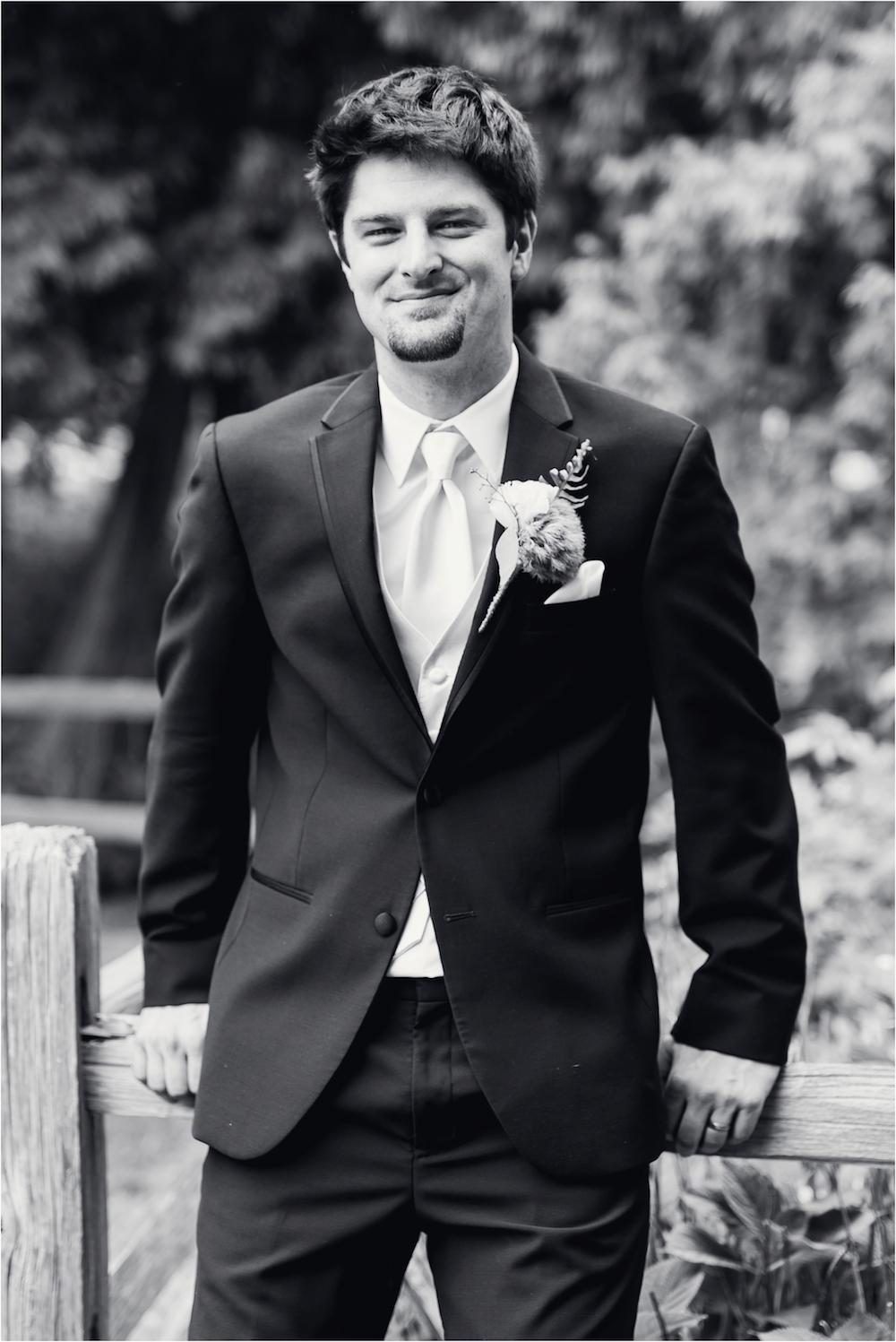 downtown-detroit-classic-elegant-wedding-photo-81.jpg