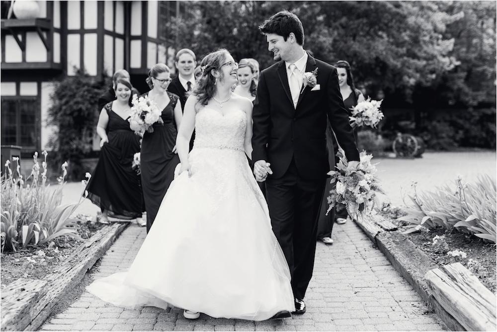 downtown-detroit-classic-elegant-wedding-photo-93.jpg
