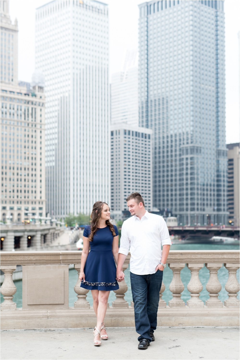 chicago-ilinois-michigna-ave-city-downtown-engagement-photo-10.jpg