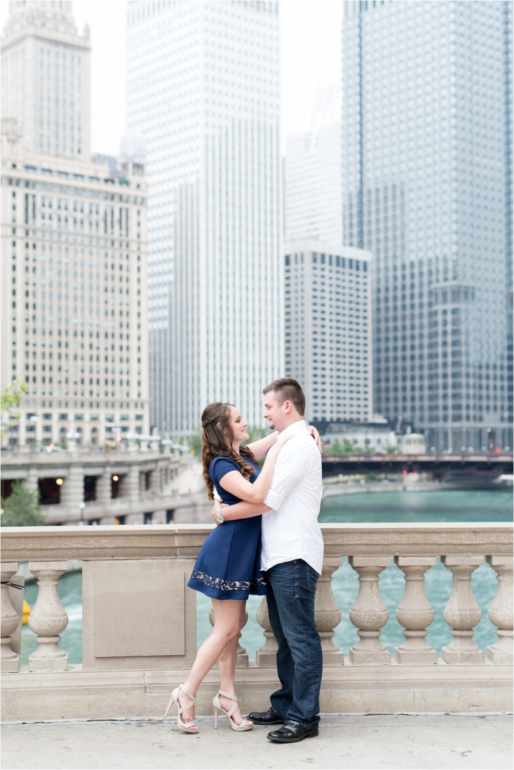 chicago-ilinois-michigna-ave-city-downtown-engagement-photo-7.jpg