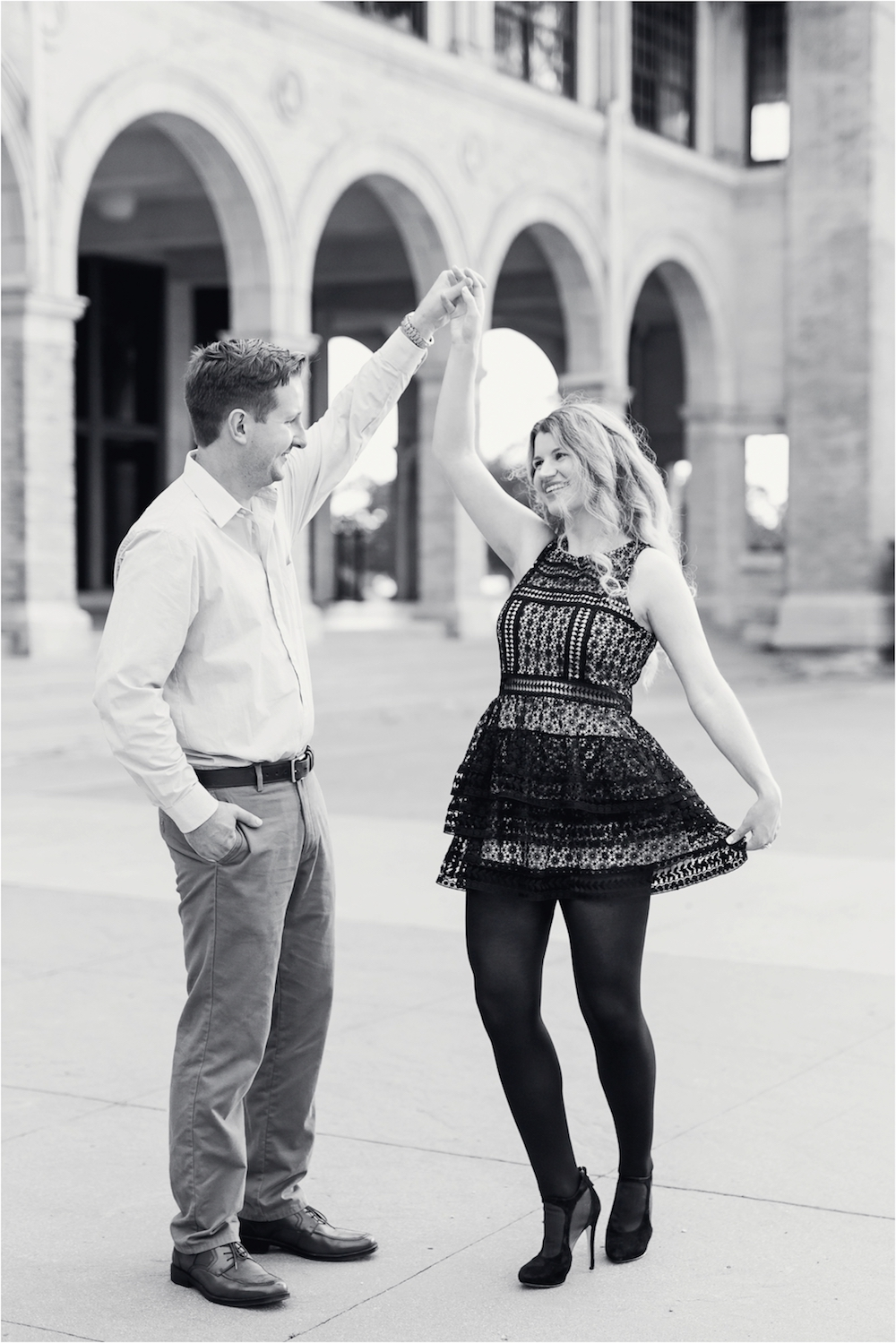 bell-isle-detroit-michigan-casino-fountain-dressy-elegant-engagement-photo-33.jpg