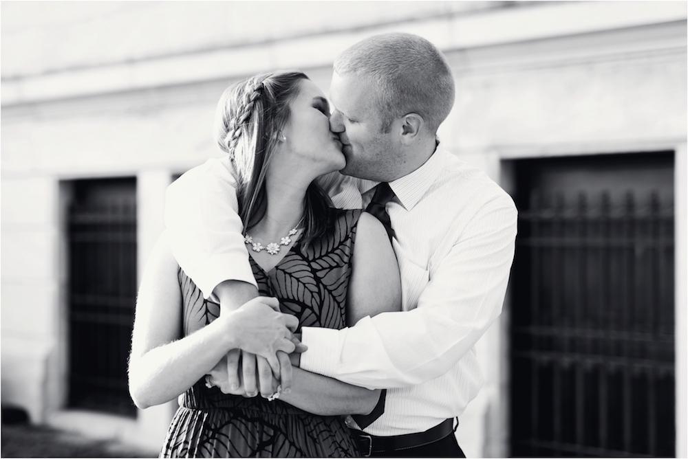 cleveland-museum-of-art-wedding-engagement-photo-17.jpg
