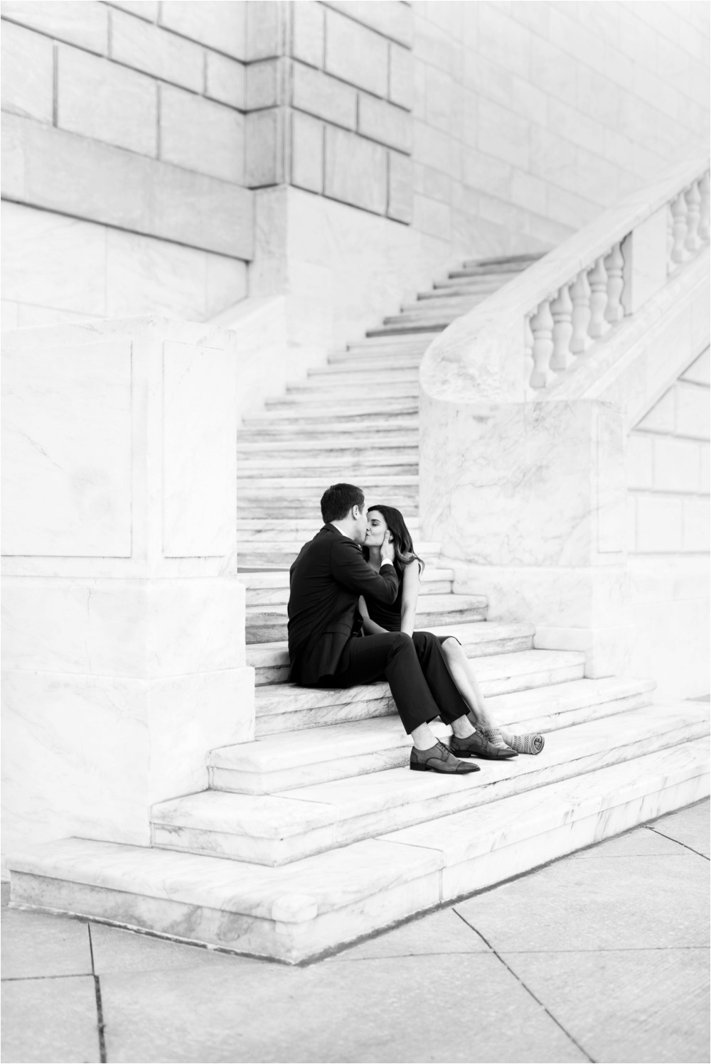 detroit-institute-of-arts-marble-elegant-gold-wedding-engagement-photo-30.jpg