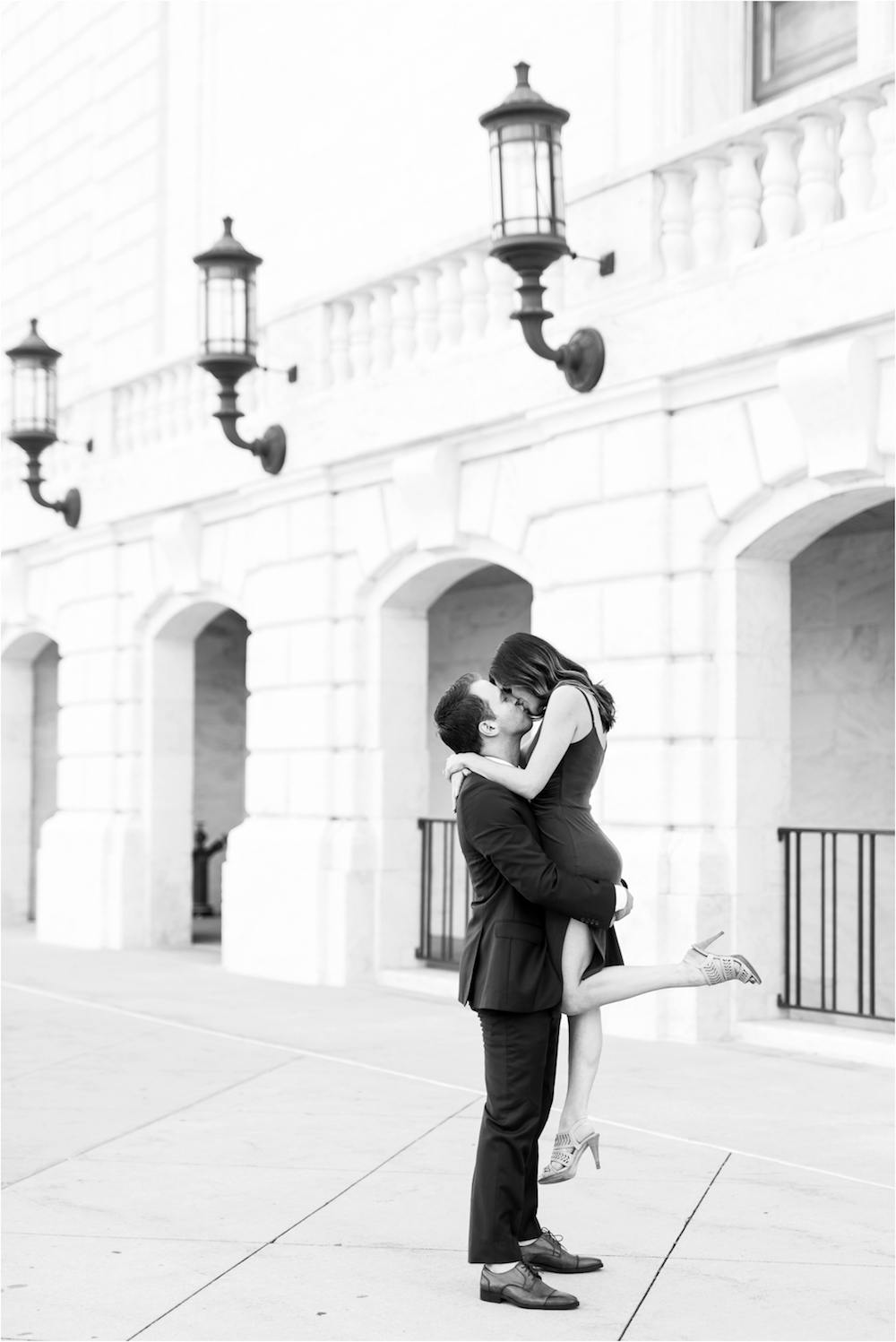 detroit-institute-of-arts-marble-elegant-gold-wedding-engagement-photo-38.jpg