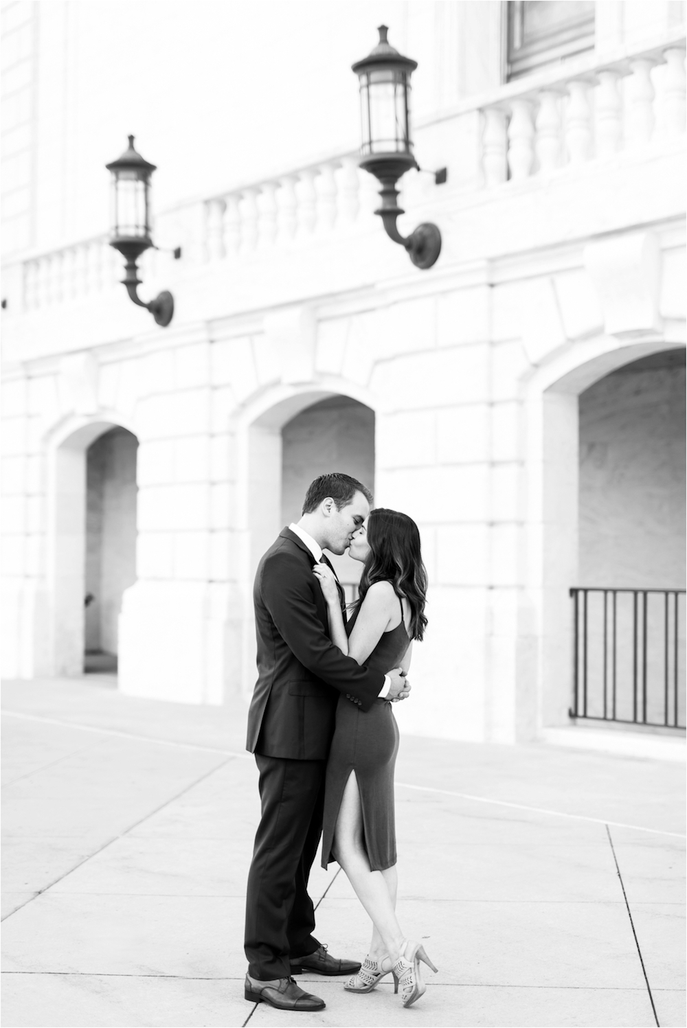 detroit-institute-of-arts-marble-elegant-gold-wedding-engagement-photo-5.jpg