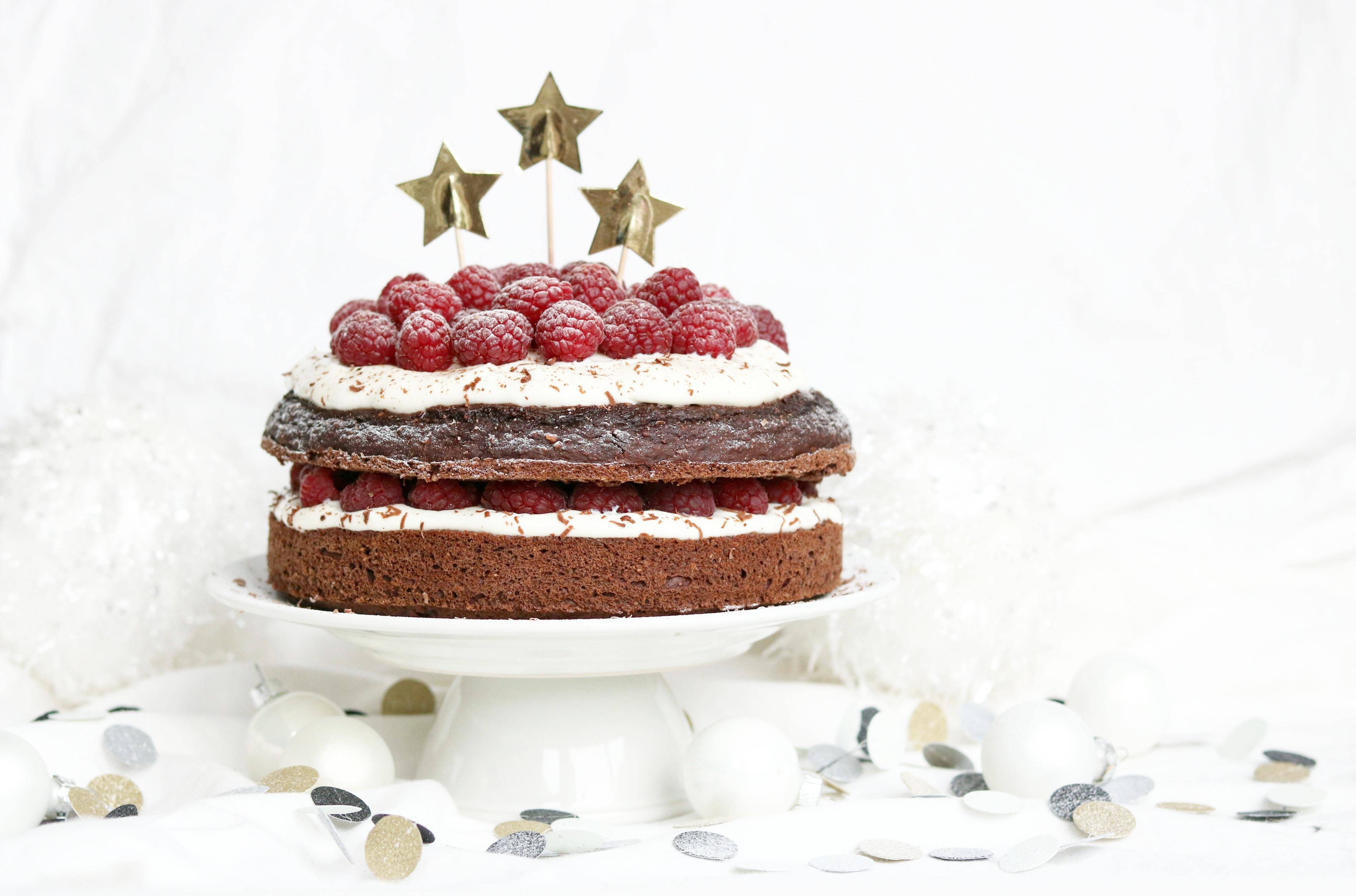 HEALTHY CHRISTMAS CAKE