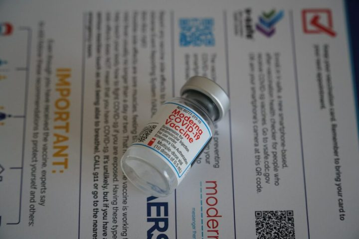 Toxicologist Janci Chunn Lindsay, Ph.D., calls on ACIP to halt Covid vaccine, citing fertility and blood clotting concerns. Photo of Moderna vaccine vial courtesy of Ian Hutchinson. | Jennifer Margulis, Ph.D.
