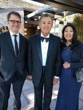 Chris, Dom, and Yasuno get ready to take the shuttle to Jeff and Genny's wedding!