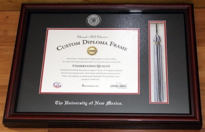 check out the frame i received for unm for my sister