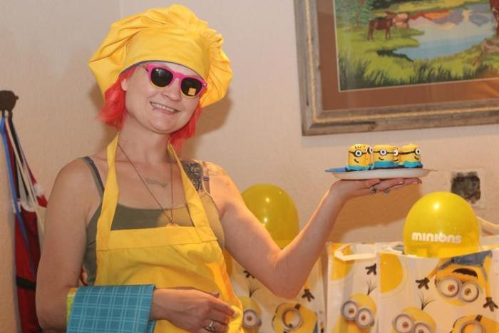 DIY Minions Brownies Recipe  Minions Party Ideas