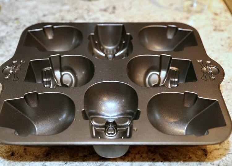skull pan