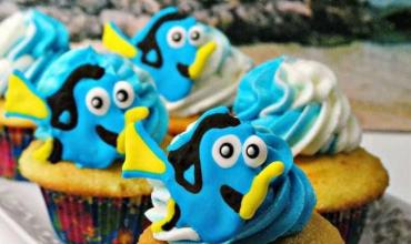 Finding Dory Cupcakes Recipe + How To Make Dory Icing Toppers