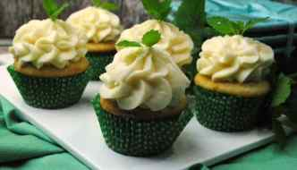 Deliciously Amazing Mint Julep Cupcakes Recipe!!