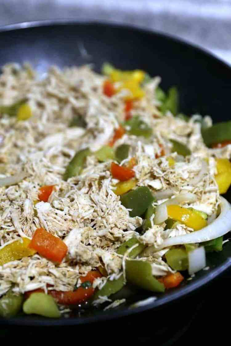 Easy Chicken Fajita Taco Boats Recipe
