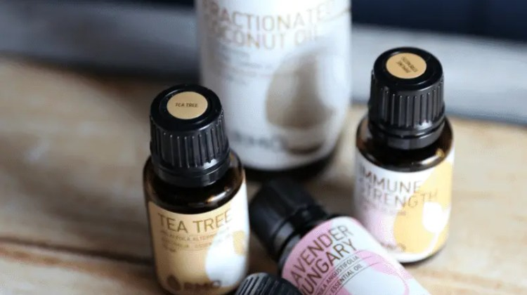 Reasons I Use Essentials Oils + Giveaway