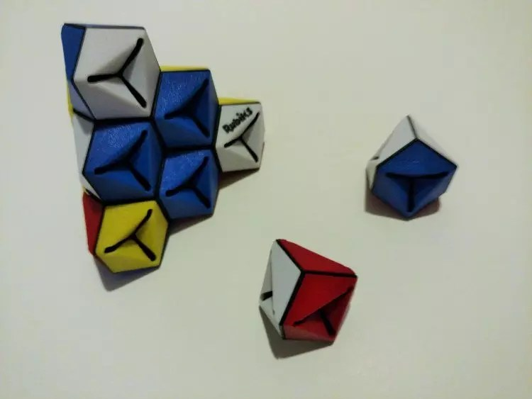 Rubik's Triamid - Winning Moves Games