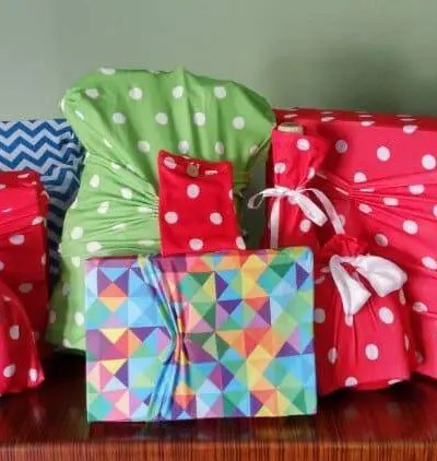 Stretch It.  Wrap It.  Reuse It with Wrapeez® #Gift Guide