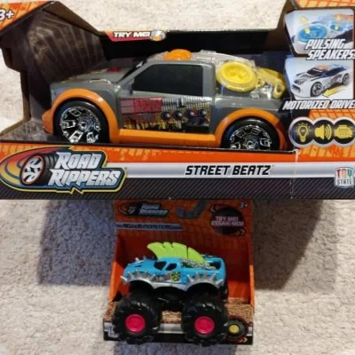 Toy State's Road Rippers Street Beatz and Rev-Up Monsters Review #GiftGuide