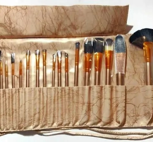 Create the Look You Want with This Songmics 20-Piece Makeup Brush Set