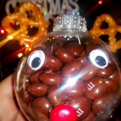 Sweet & Easy Decorations for Christmas Using Holiday M&Ms