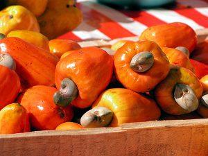 Cashewnüsse mit Frucht