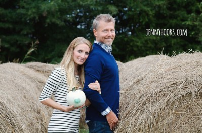 Jenny Hooks Photography Fall Pregnancy Announcement www.jennyhooks.com