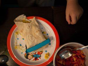 barnen äta tacos