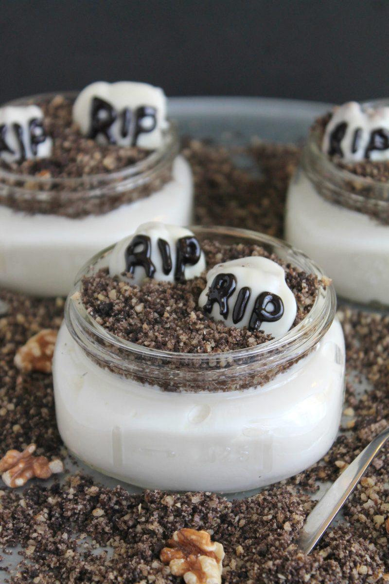 Mini Graveyard Dirt Cakes