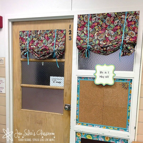 lassroom curtains in 123-2