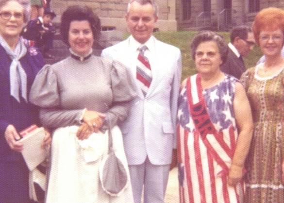 DAR Bicentennial Photo