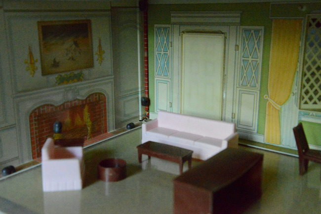 tin-doll-house-living-room-furniture