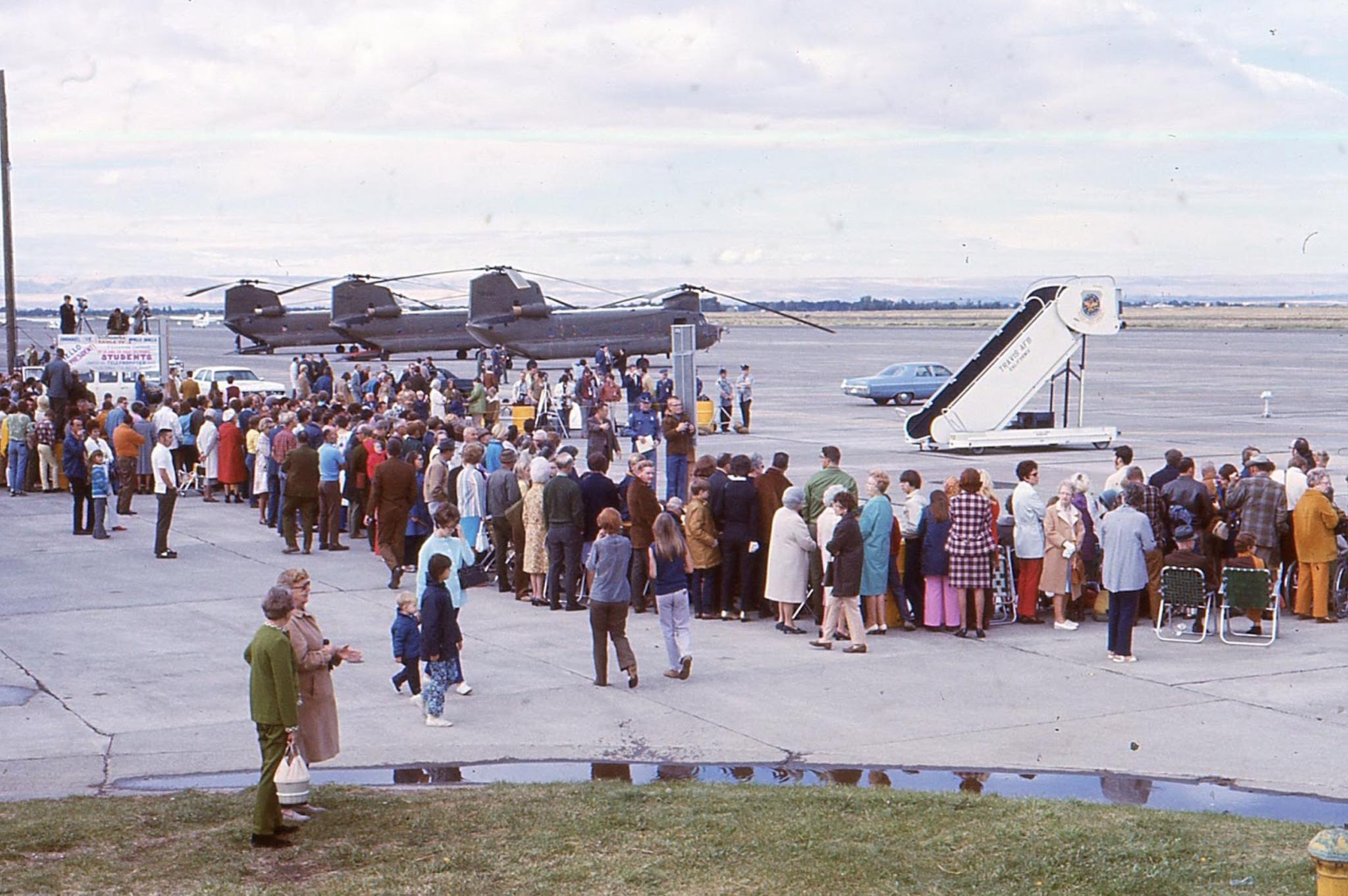 A crowd in Walla Walla, Washington awaits the arrival of Air Force One, September 1971