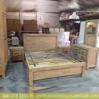 Jual Tempat Tidur Minimalis Jati Satu Set