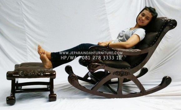 Kursi Sofa Malas Untuk Bersantai di Ruang Tamu