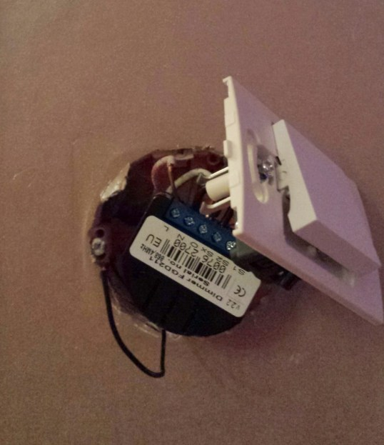 micro module derrière interrupteur dévoilé !