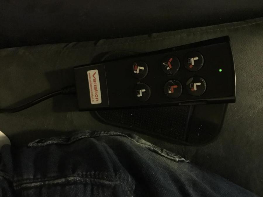 seconde télécommande du fauteuil, disponible pour piloter le fauteuil à la main.