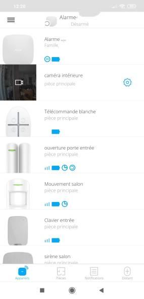 Écran de l'application AJAX listant les équipements