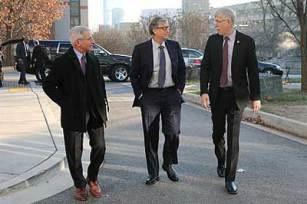 Anthony Fauchi and Bill Gates