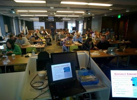 Teaching an electronics class to Googlers #throughglass