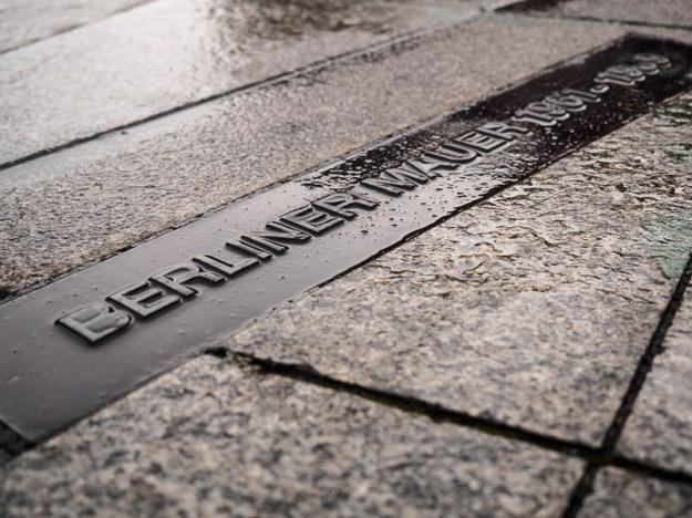 Berlin, 2016 | Berliner Mauer Sign - Berliner Mauer 1961 - 1989